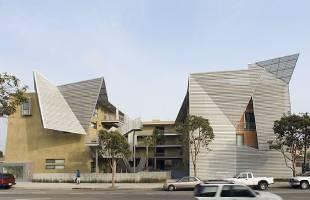 <strong>Broadway Housing</strong> <br>Santa Monica, CA